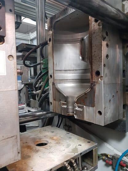 Machine de soufflage UNILOY MILACRON type BW20 Année 2009