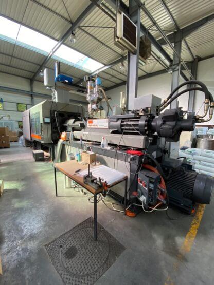 Presse à injecter SANDRETTO 610T MEGA T CF 100